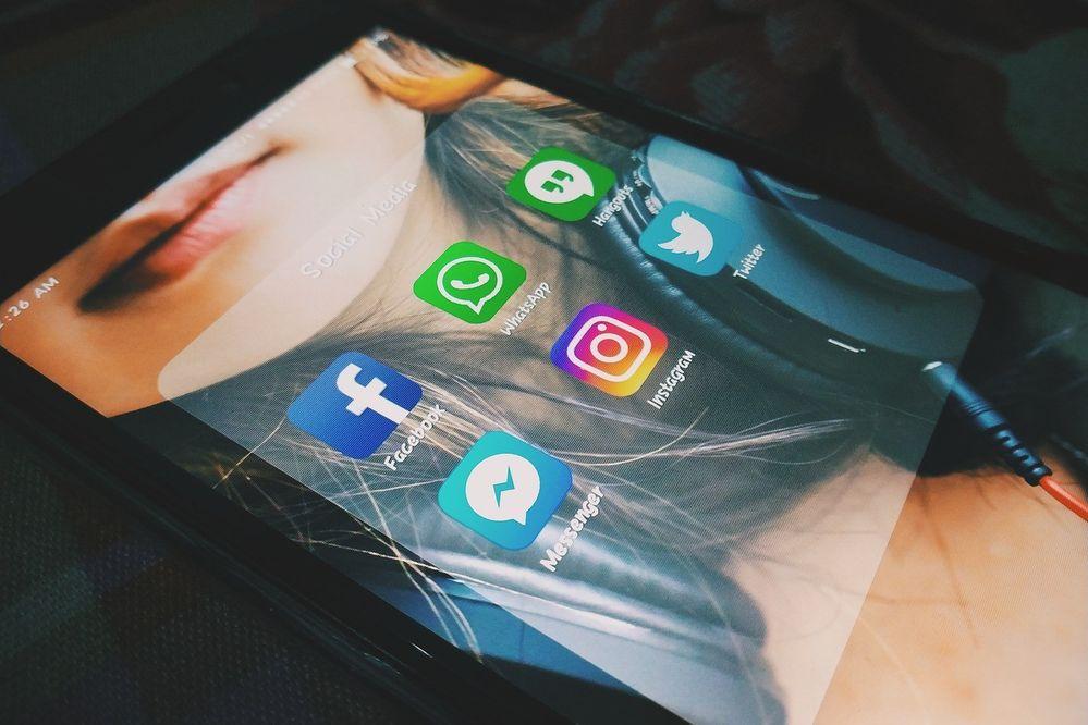 nuevas funciones WhatsApp y Facebook Messenger.jpg